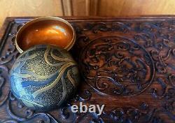 Boîte Japonaise De Kogo D'encens De Laque Avec L'ère Meiji Fine De Conception De Maki-e