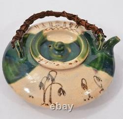 Fine Antique Old Japanese Ceramic Oribe Ware Teapot Sake Pot Signé Lovely Form