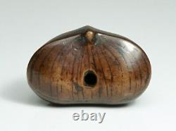 Fine Japonais Chestnut Tree Graine Bois Netsuke Signé Période Meiji
