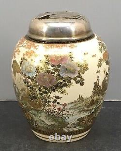 Japonais Meiji Satsuma Brûleur D'encens Avec De Belles Décorations
