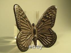 Très Fine Japon Japonais Bronze Figure D'une Décoration Papillon Ca. 20e C